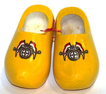YELLOW LITTLE DAF CLOGS