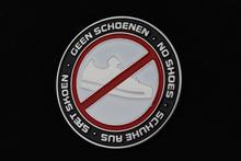 PIN SPELD GEEN SCHOENEN - NO SHOES - SCHUHE AUS